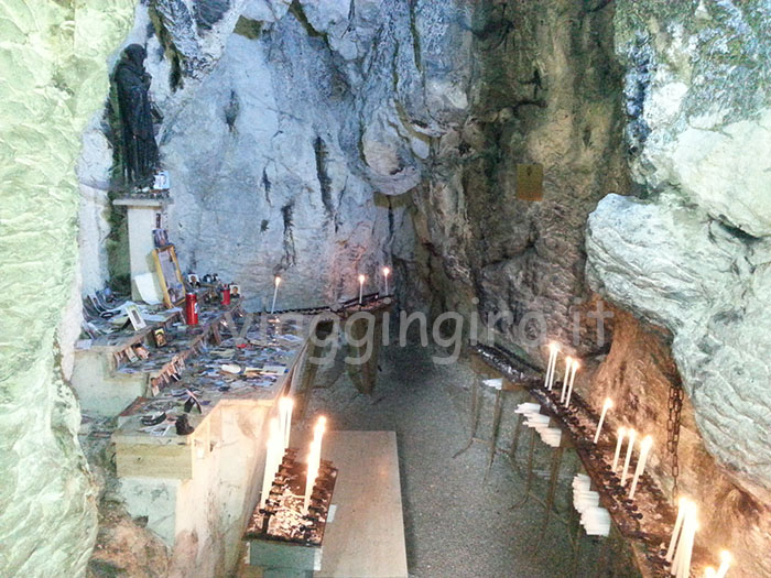 grotta intera