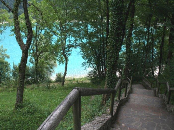 discesa al lago