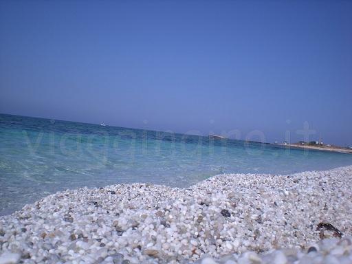 la spiaggia di mari-ermi
