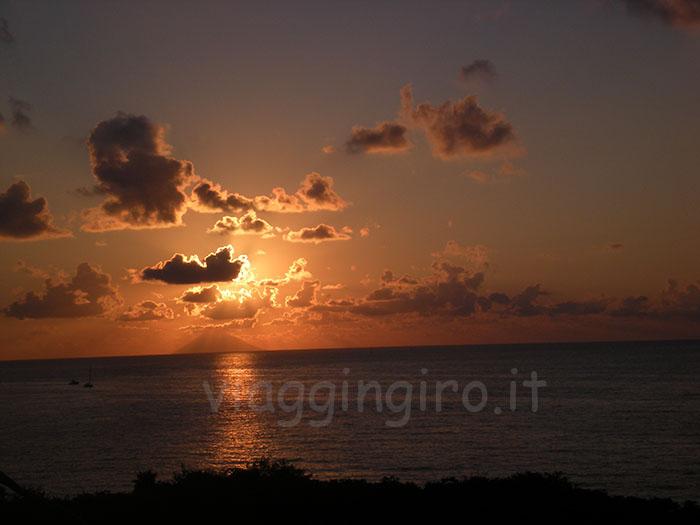 tramonto su stromboli
